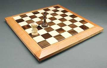 Wooden chessboard - Handmade wooden gifts